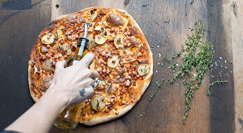 On shoot pizza herbs